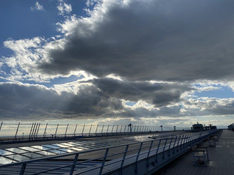 セントレアの送迎デッキ(スカイデッキ)この日は風が強かった