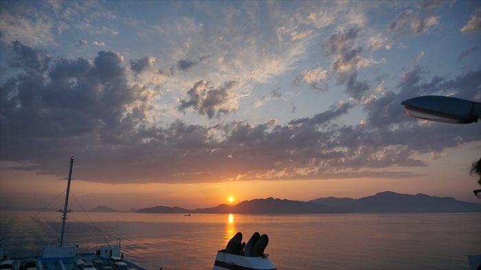 小豆島に沈む夕日を撮影