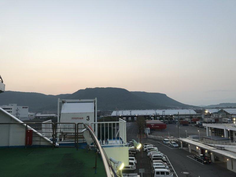 フェリーから見る高松港