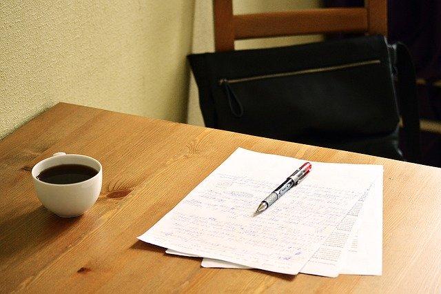 振り返りは考えるだけで無く紙に書き出す!